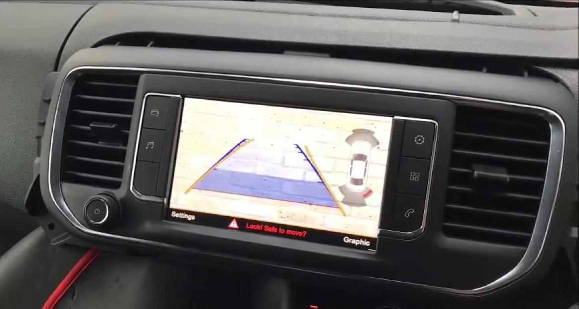 Interface Multimédia et caméra de recul compatible Toyota ProAce depuis 2016