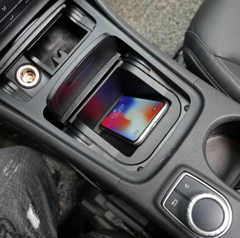 Chargeur à induction 10W iPhone, Xiaomi, Huawei et Samsung pour Mercedes CLA, GLA et Classe A de 2013 à 2018