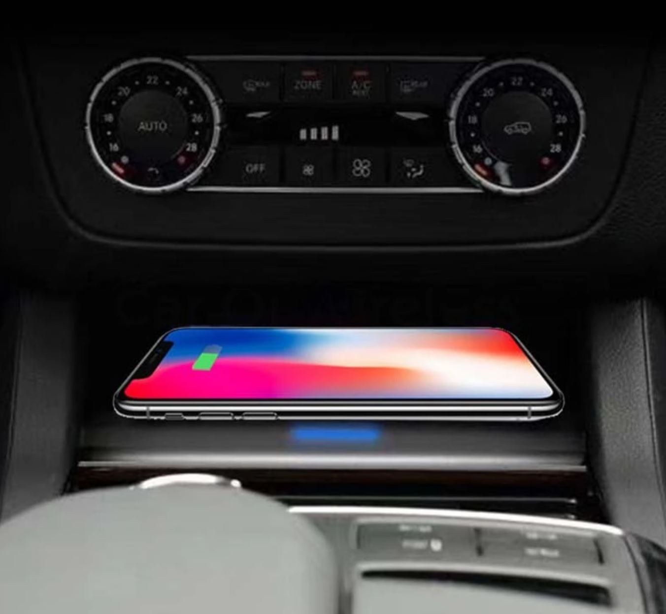 Chargeur à induction 10W iPhone, Xiaomi, Huawei et Samsung pour Mercedes GLE, GLS, ML