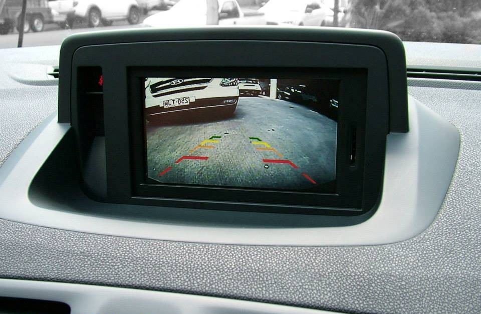 interface cam ra vid o renault tomtom clio megane 3 koleos scenic hightech. Black Bedroom Furniture Sets. Home Design Ideas