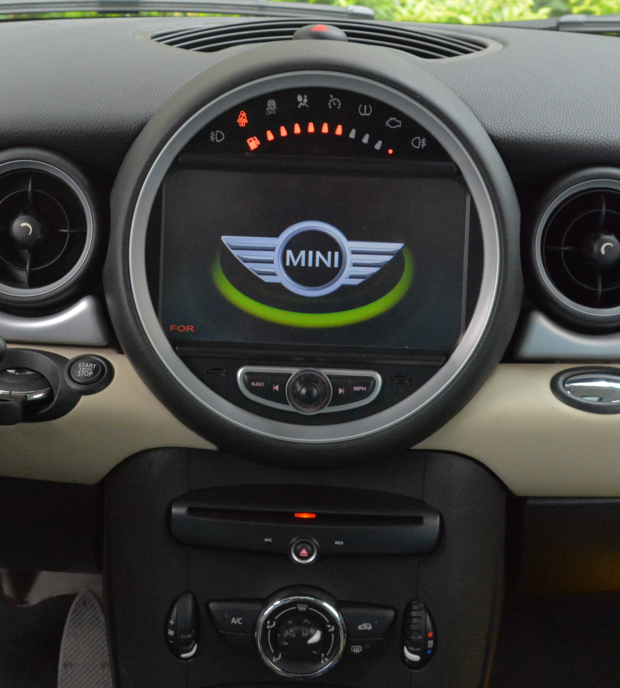 autoradio gps dvd mini cooper 2006 2013 cran tactile 7 hightech privee. Black Bedroom Furniture Sets. Home Design Ideas