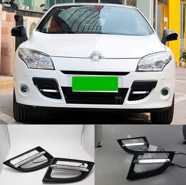 feux de jour led renault megane 3 drl feux diurnes hightech privee. Black Bedroom Furniture Sets. Home Design Ideas