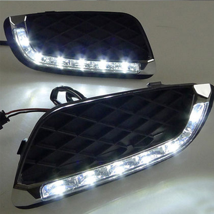 feux de jour 6 leds drl pour smart fortwo de 2008 2011 hightech privee. Black Bedroom Furniture Sets. Home Design Ideas