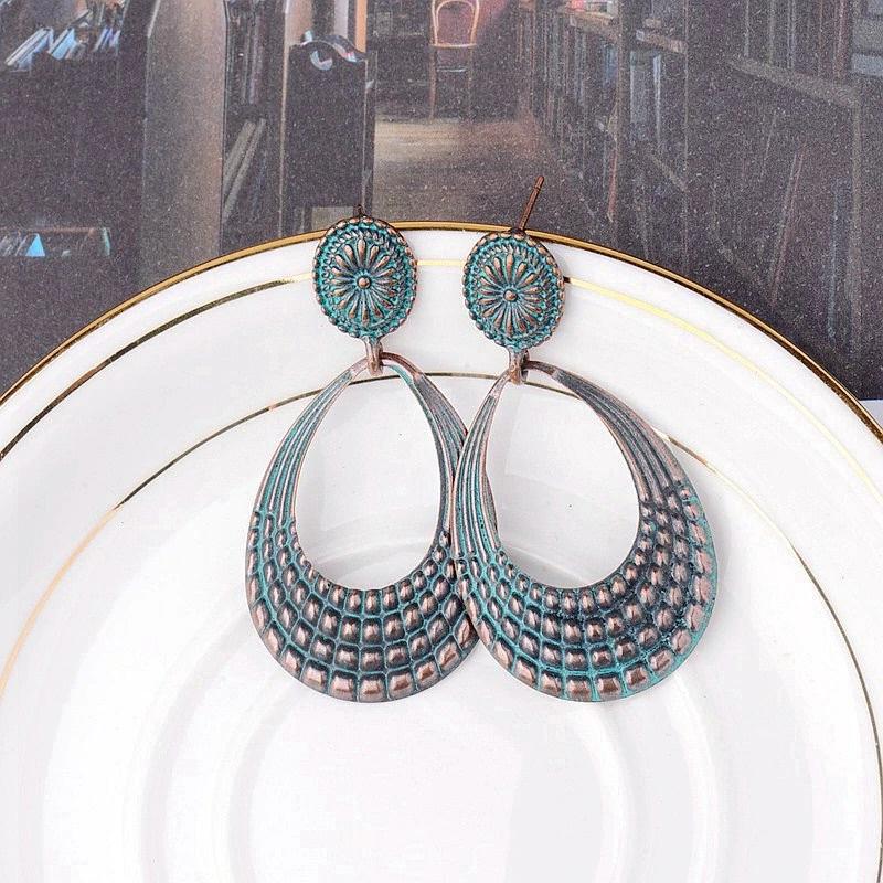 Boucles d\'oreilles ovales pendantes