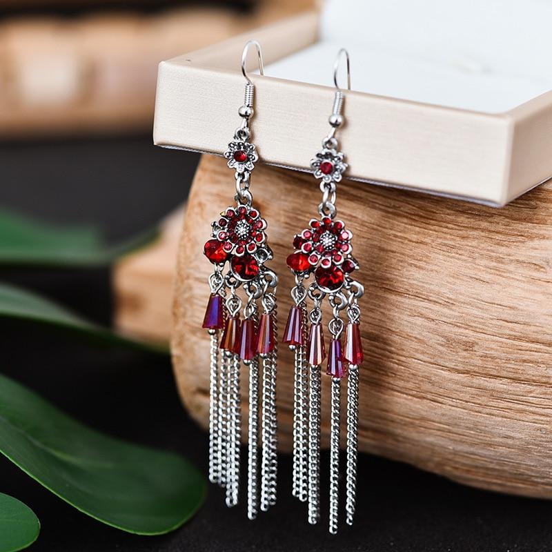 Boucles d\'oreilles longue chaîne perles pendantes