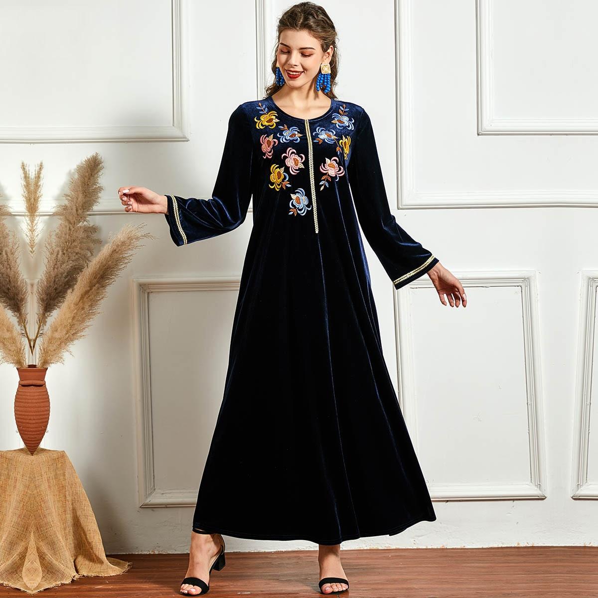 Robe Algérienne en velours broderie florale