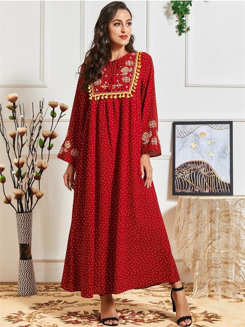 Robe caftan maxi rouge Turque en pointillés et pompons