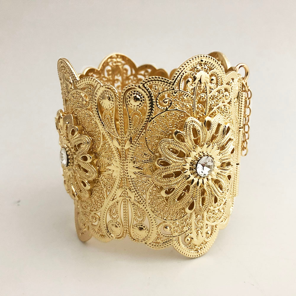 Bracelet manchette en fleurs