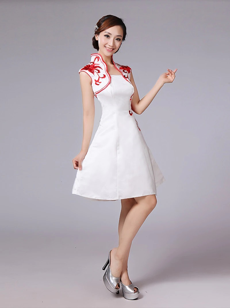 Robe forme patineuse blanche