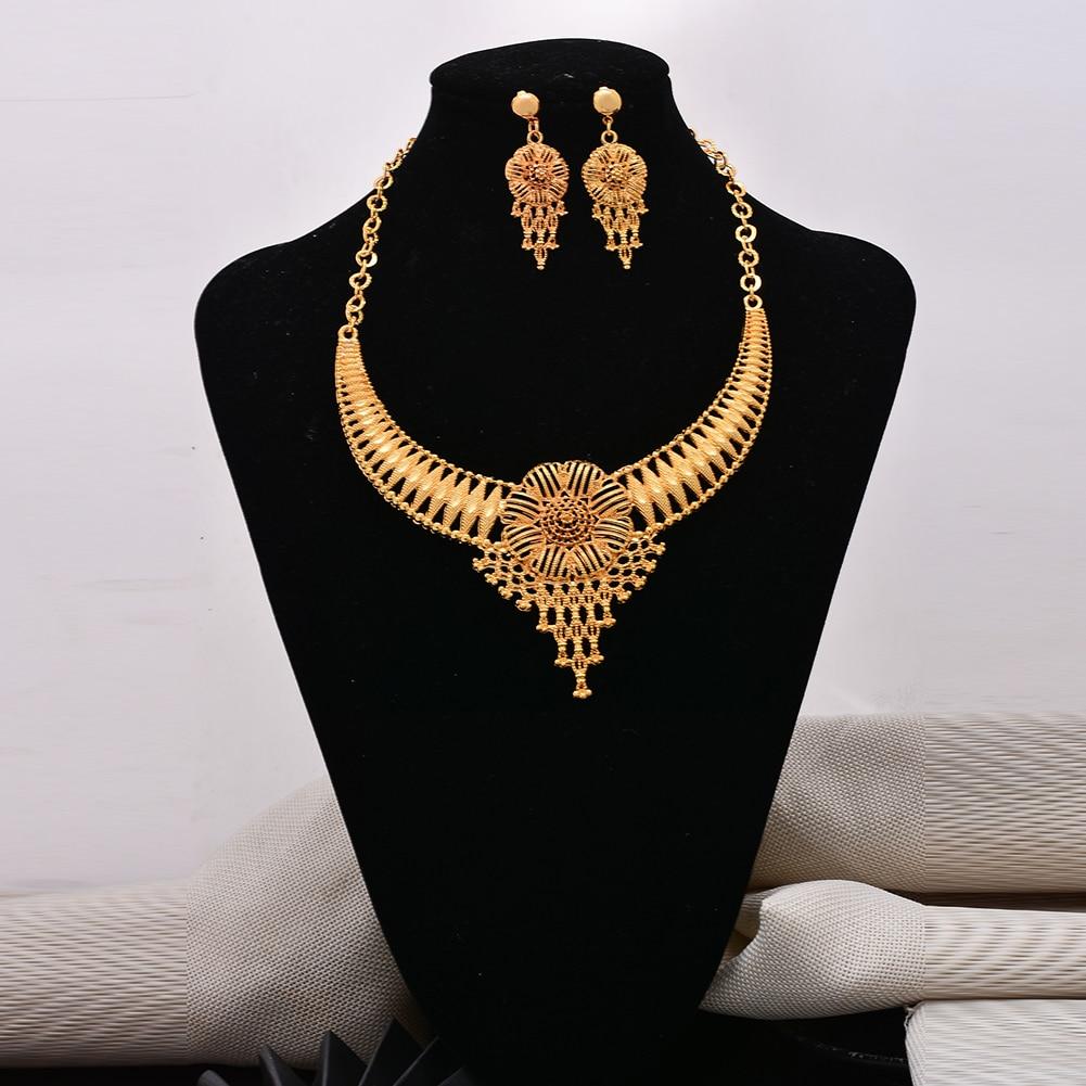 Parure de bijoux traditionnel africaine