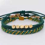 Bracelet vert superposé