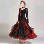 Robe noi au dentelle rouge danse