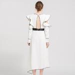 robe-asymetrique-a-ceinture-blanche-pour_main-1