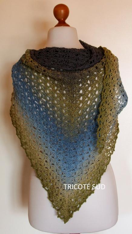 Kit châle Annette version Woolly Whirl - Kits crochet Echarpes ... 1dc01e1ed2c7