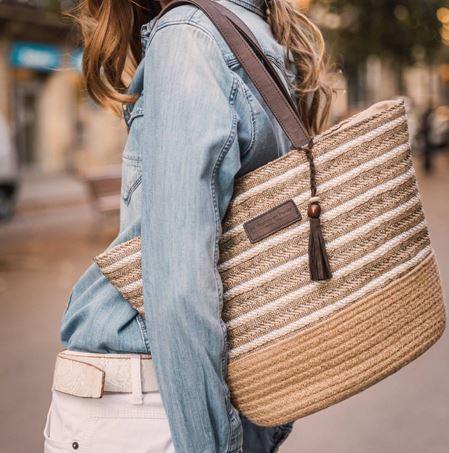 Sac porté épaule tendance rayé irisé avec pompon