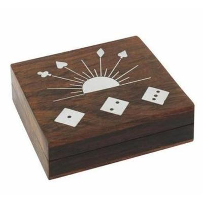 Boite en bois avec jeux de cartes + 5 Dés