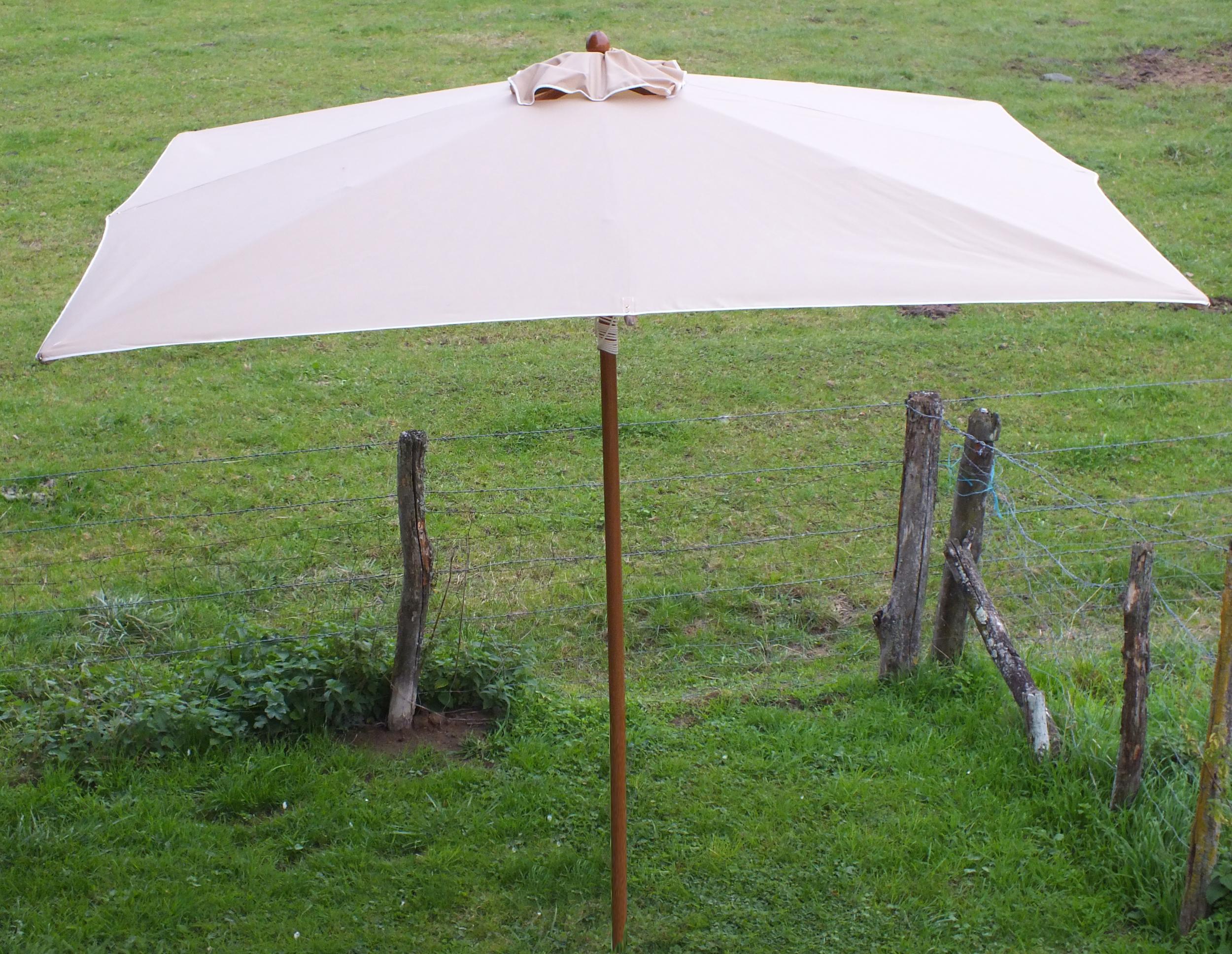 parasol bois carr 2x2 parasol bois. Black Bedroom Furniture Sets. Home Design Ideas
