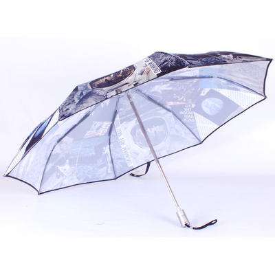 parapluie-walking-on-the-moon2