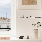 The Line paris decoration murale silhouette avec la tour eiffel dans appartement à paris