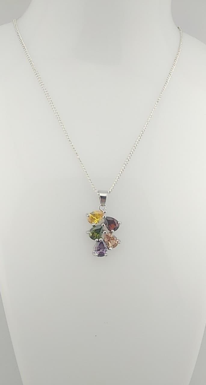 Collier pendentif multicolores