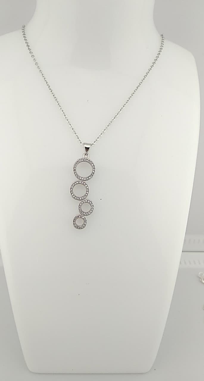Collier pendentif anneaux