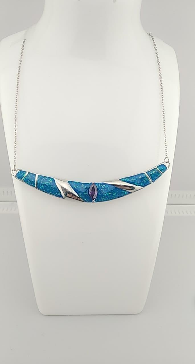 Collier pendentif couleur bleu océan