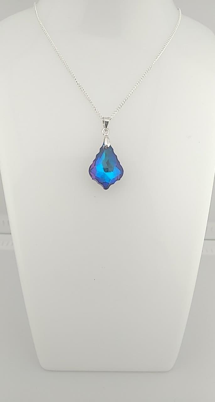 Collier pendentif fleur bleu