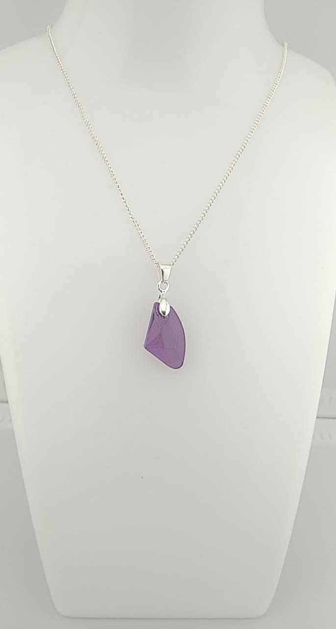 Collier pendentif  couleur : pierre améthyste