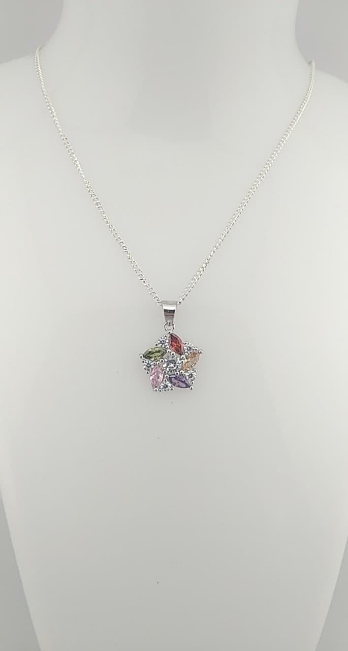collier pendentif fleur