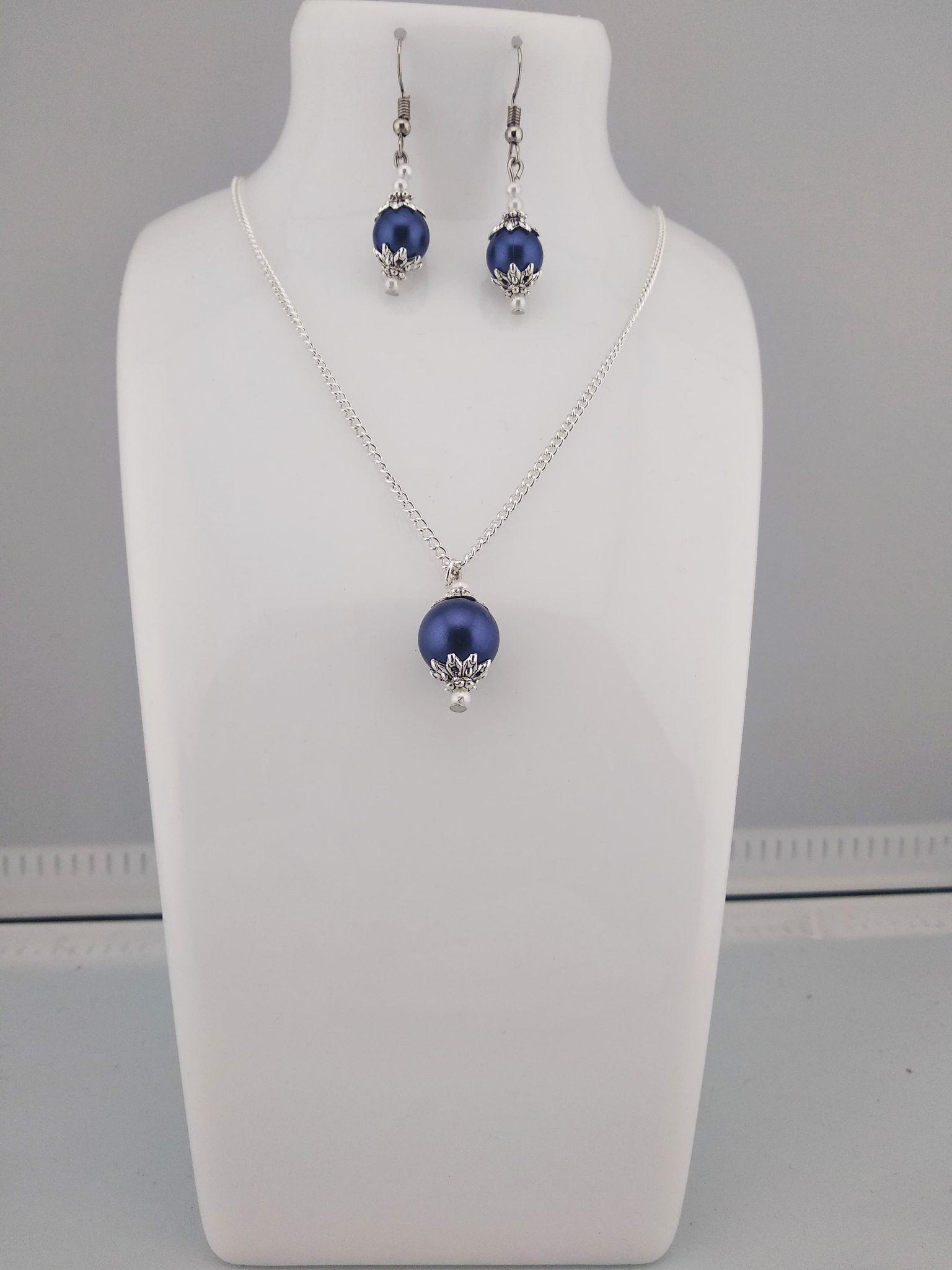 collier perles mauve