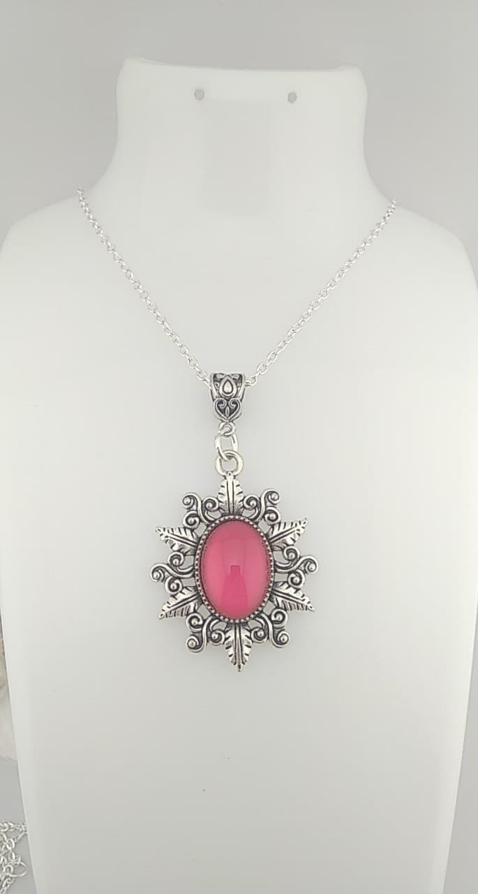 Collier cabochon Rose