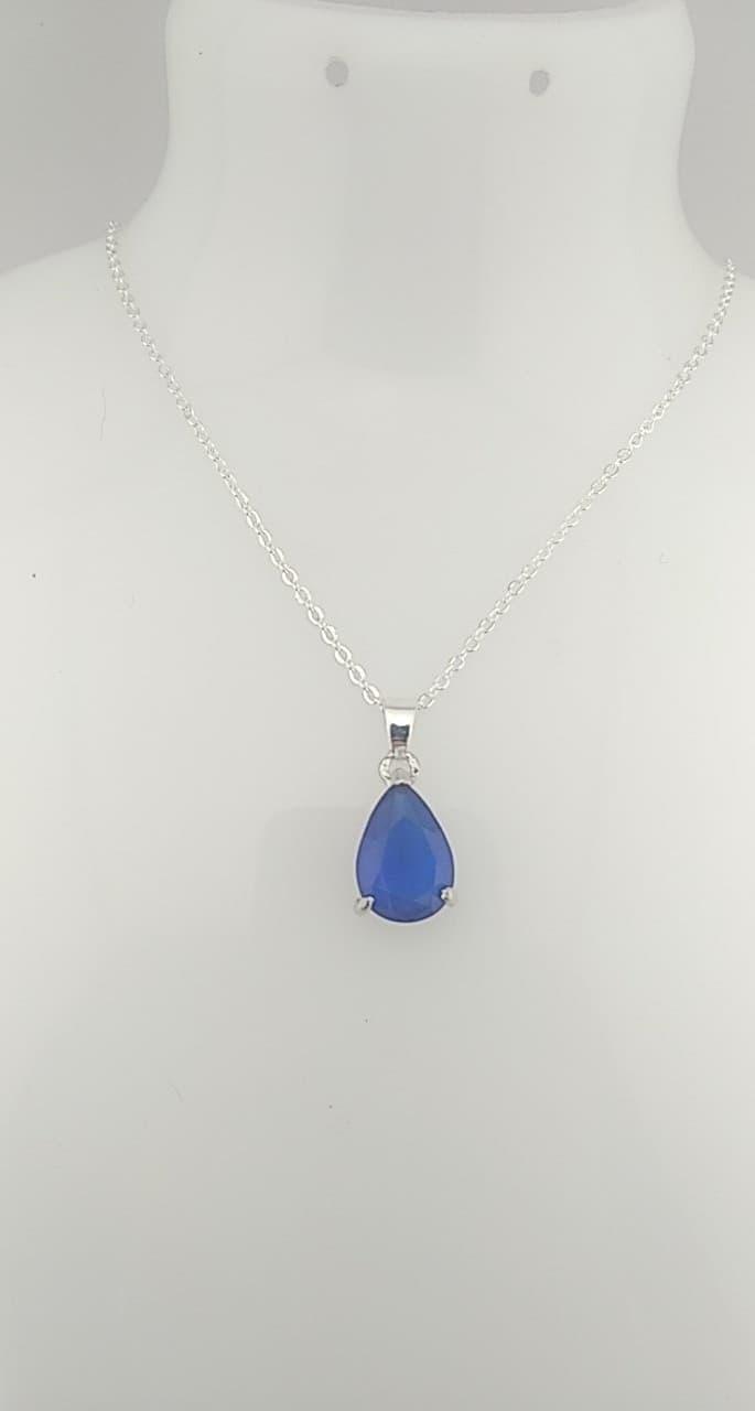 Collier pendentif bleu
