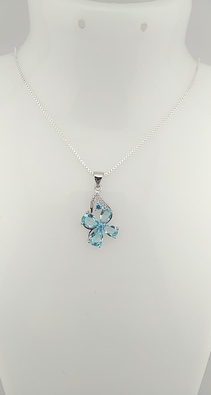 Pendentifs fleur bleu clair