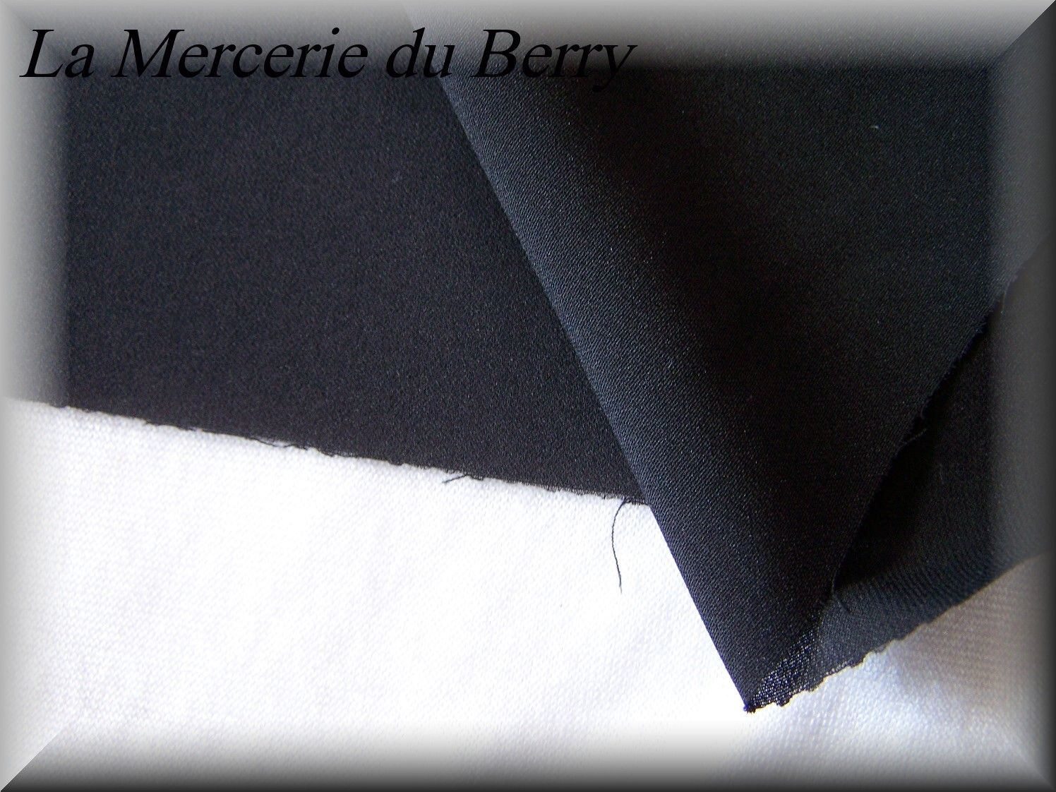 Tissu mousseline, noir