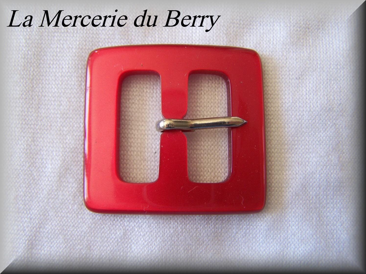 Boucle de ceinture, rouge, 39 x 40 mm