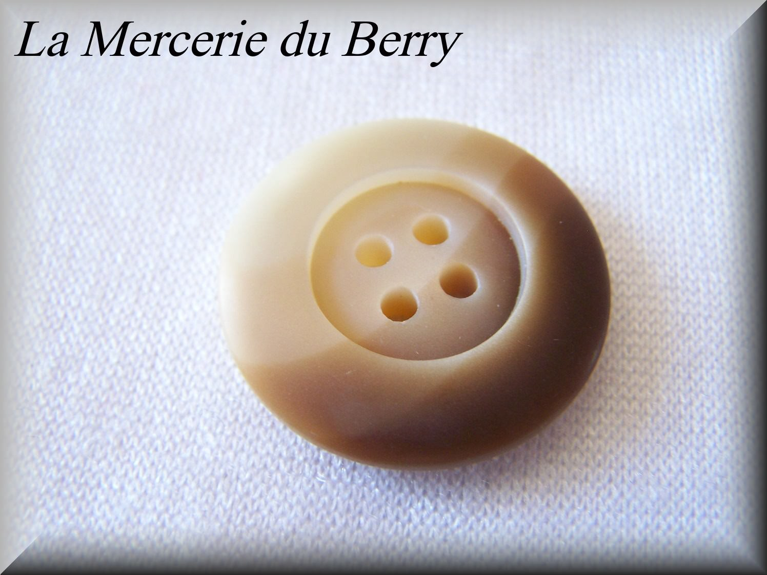 Bouton beige, 27 mm