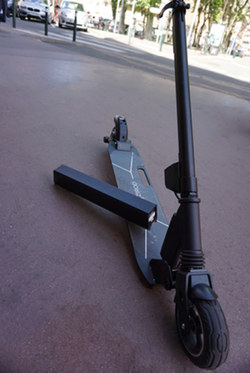 izirod switch trottinette électrique batterie amovaible