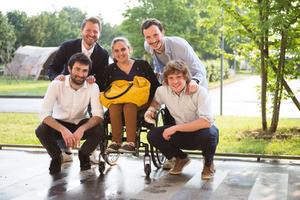 omni-fixation-trottinette-electrique-handicap-mobilityurban