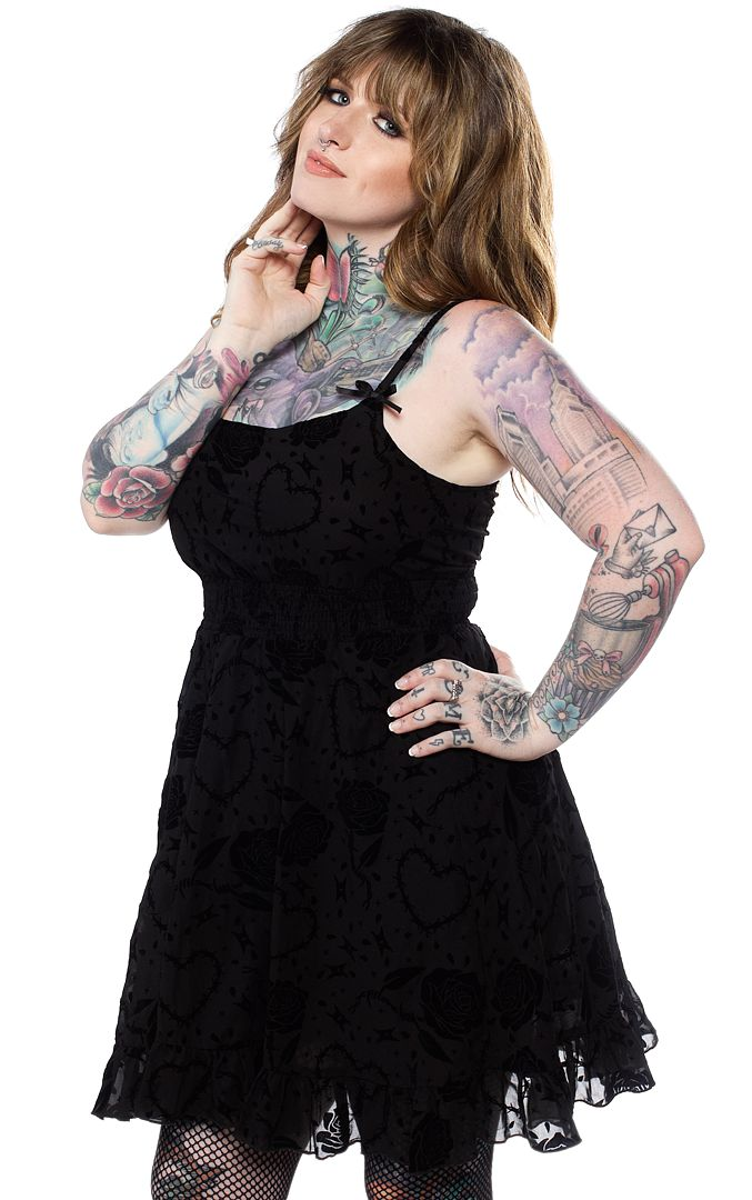 SPDR521_robe-gothique-glam-rock-dolly-barbed-wire