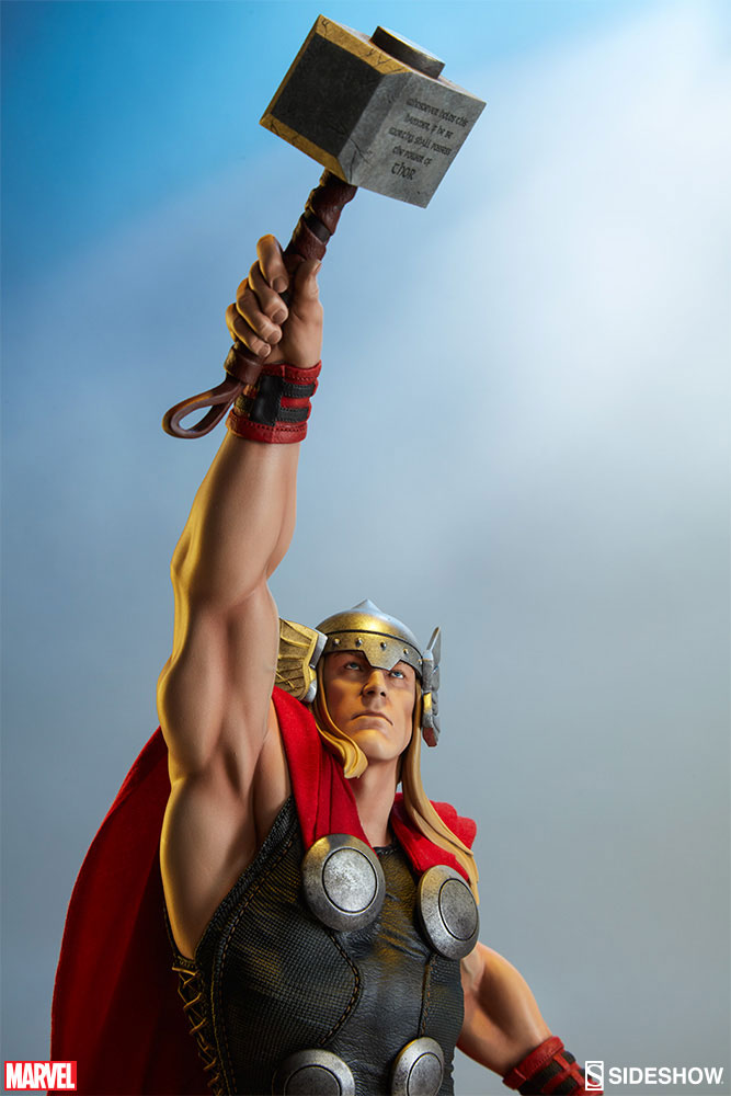 Statuette Avengers Assemble Thor 65cm  1001 Figurines