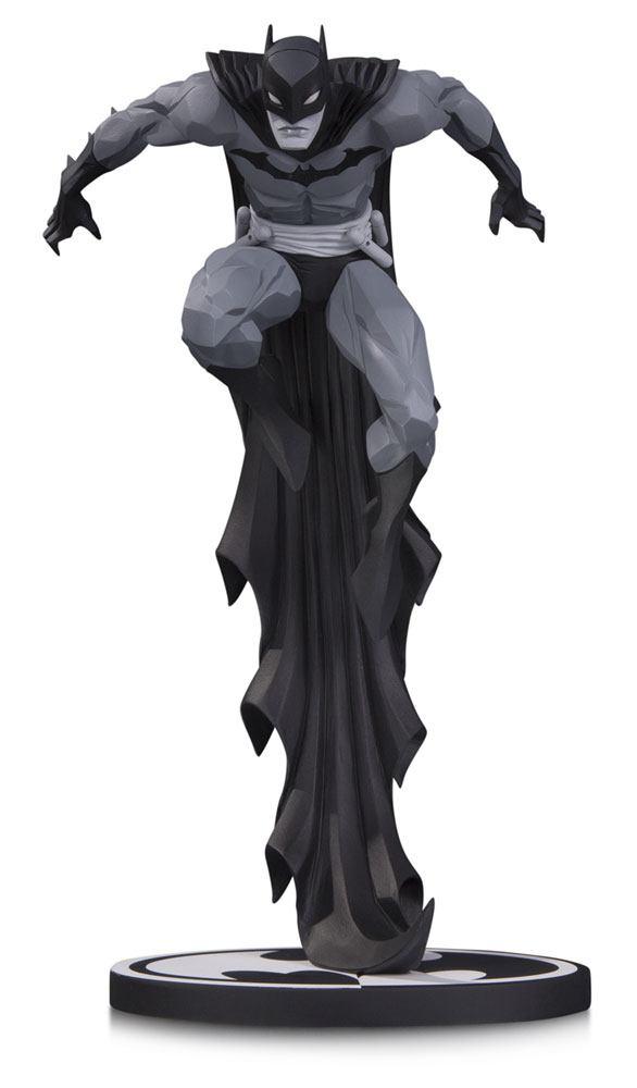 Statuette Batman Black & White Batman by Jonathan Matthews 23cm 1001 Figurines