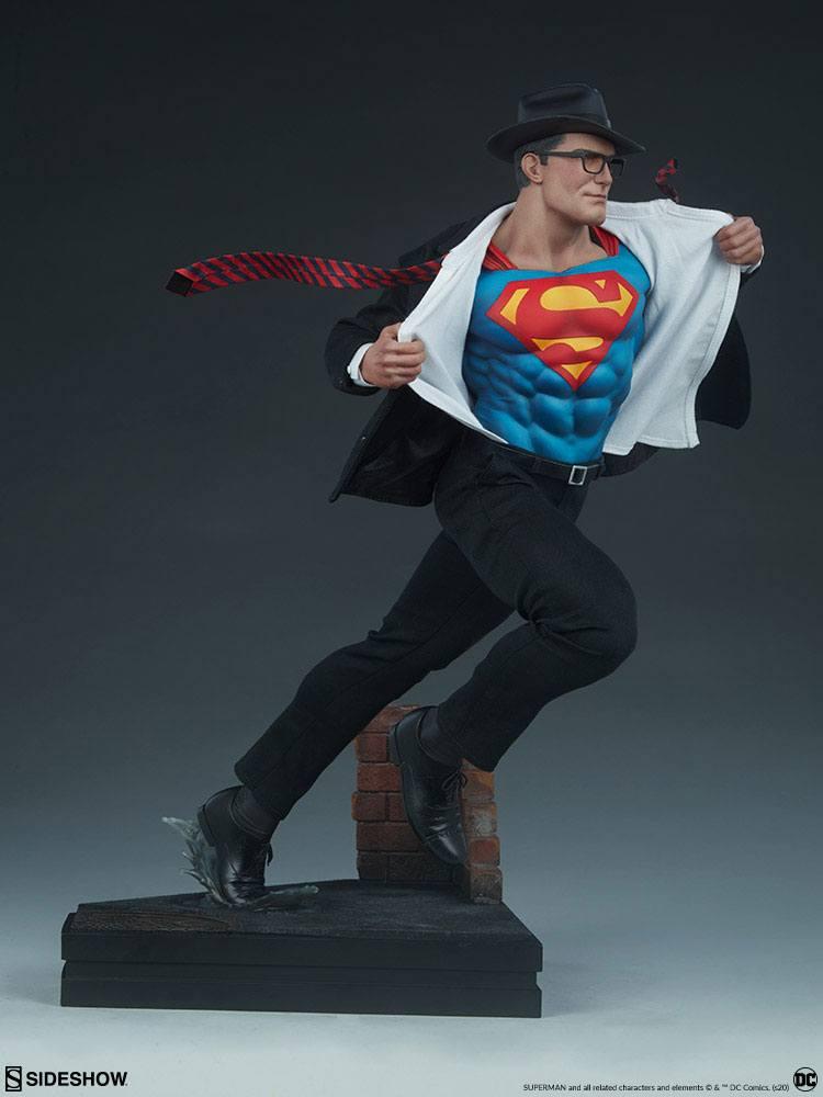 Statuette DC Comics Premium Format Superman Call to Action 50cm 1001 Figurines (4)