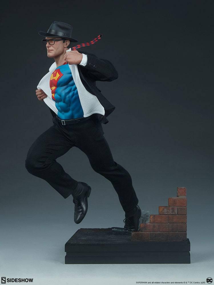 Statuette DC Comics Premium Format Superman Call to Action 50cm 1001 Figurines (8)
