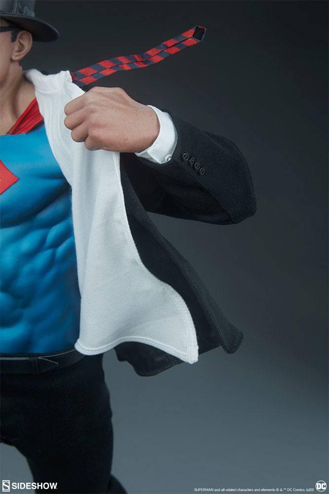 Statuette DC Comics Premium Format Superman Call to Action 50cm 1001 Figurines (14)