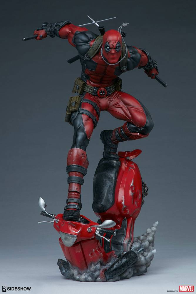 Statuette Marvel Premium Format Deadpool 52cm