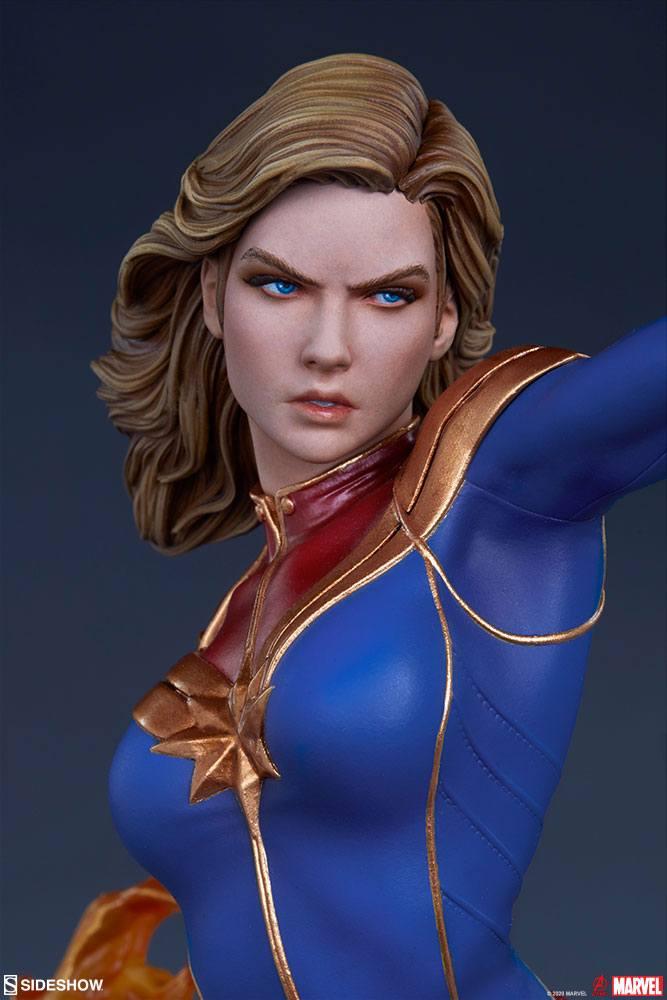 Statuette Avengers Assemble Captain Marvel 41cm 1001 Figurines (13)