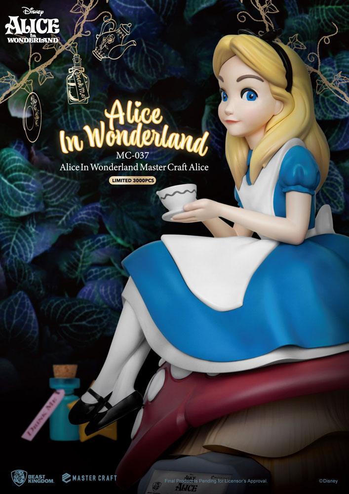 Statuette Alice au pays des merveilles Master Craft Alice 36cm 1001 fIGURINES (7)