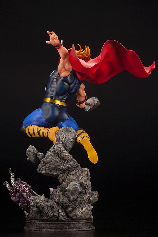Statuette Marvel Avengers Fine Art Thor 44cm 1001 Figurines (6)