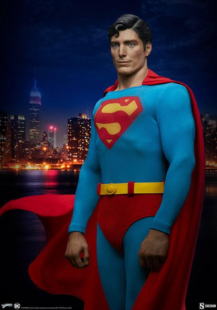 Statuette Superman Premium Format Superman The Movie 52cm 1001 Figurines (3)