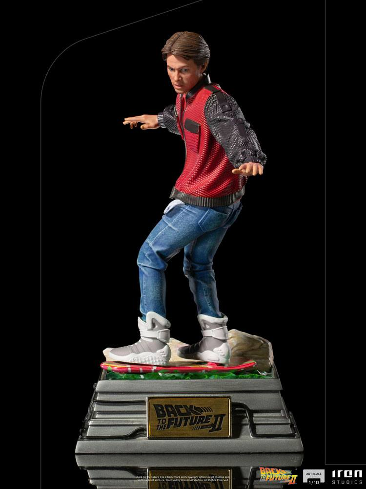 Statuette Retour vers le Futur II Art Scale Marty McFly on Hoverboard 22cm